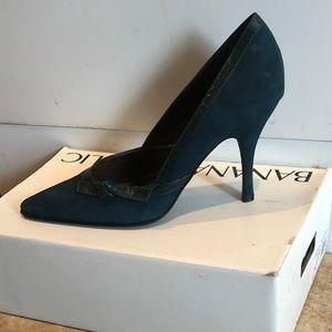"Banana Republic ""Jane"" heels in Teal"